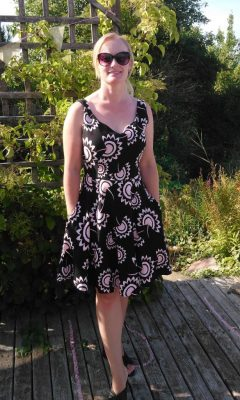 simple sew sienna dress with pockets pattern review